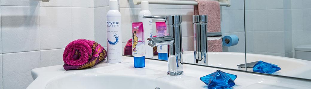 Salle de bains gîte résidence la santé